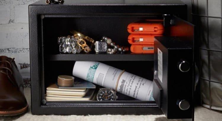 Amazon Basics Security Safe featured